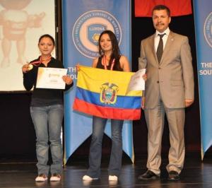"""Tatiana & Verónica - """"campeonas mundiales"""" en la categoría de """"Hardware Control"""" de Infomatrix 2013"""