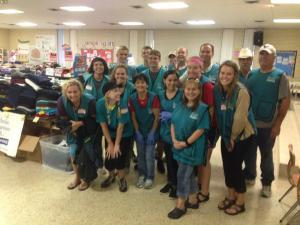 Grupo de voluntarios con Mission Discovery en la Iglesia Sacred Heart