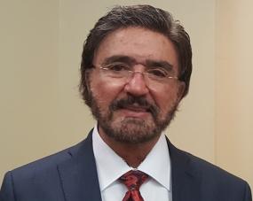 """Dr. Armando Alducin, Fundador de """"Nueva Vida para el Mundo""""."""